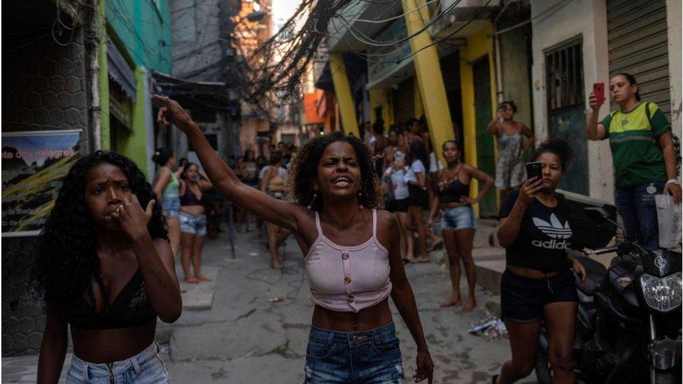 Una protesta de habitantes de Jacarezinho