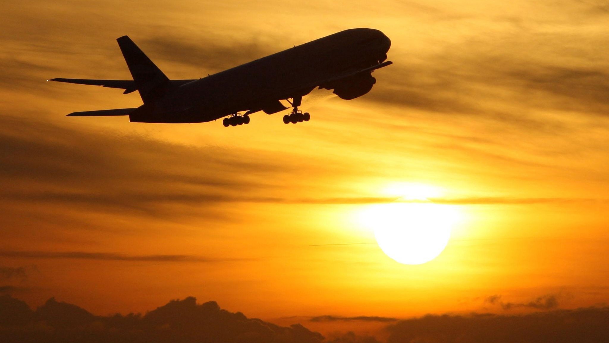UK airports with worst departing flight delays revealed