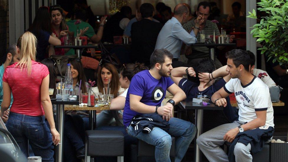 Muchos jóvenes profesionales regresan a Grecia por nostalgia, más que por grandes oportunidades de negocio.