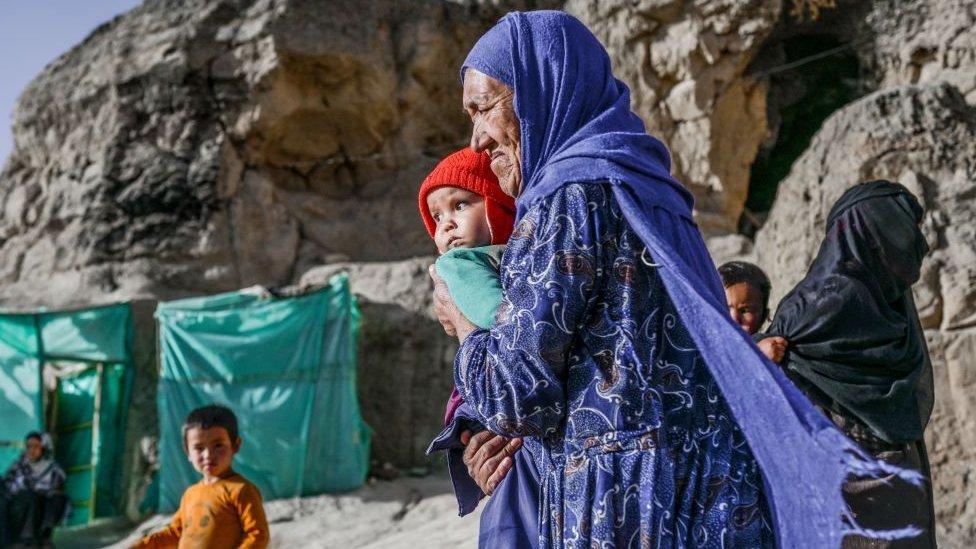إمرأة من الهزارة في باميان، أفغانستان