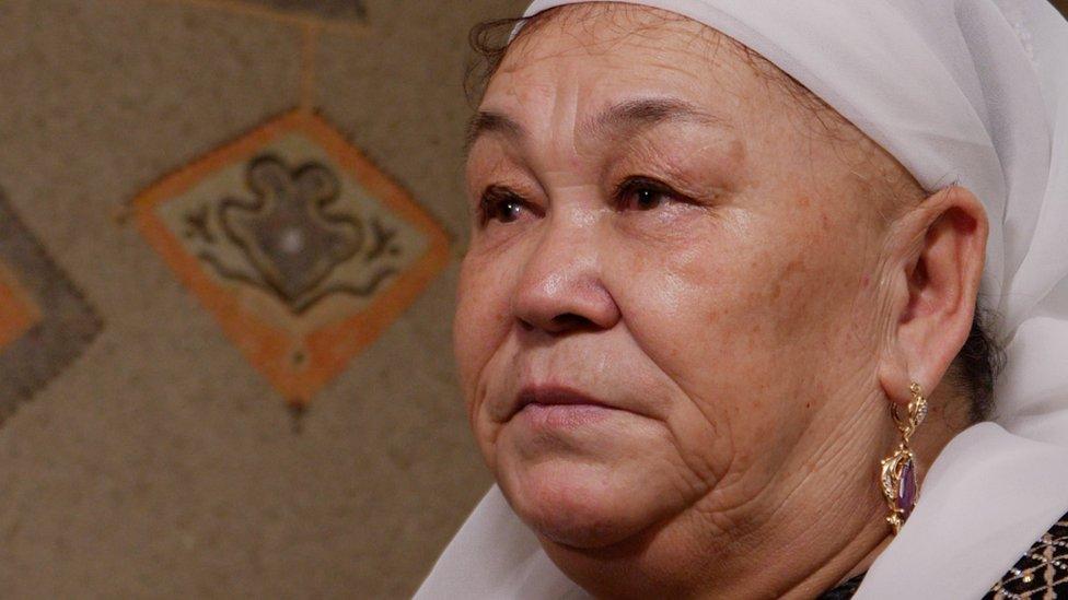 卡利達在2006年離開新疆。