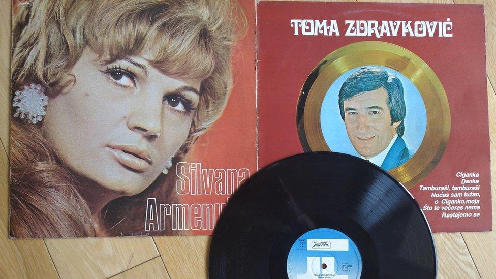 Ploče Silvane Armenulić i Tome Zdravkovića