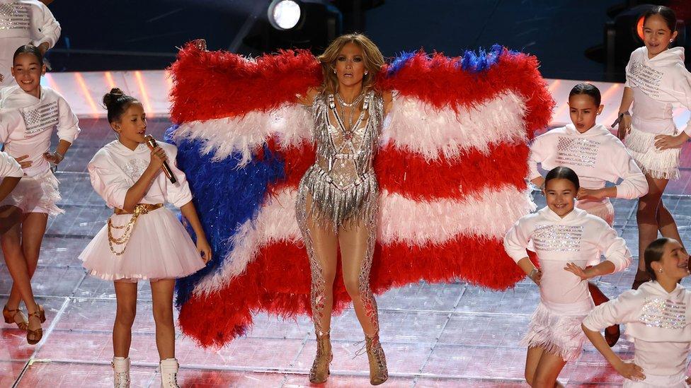 J.Lo con bandera