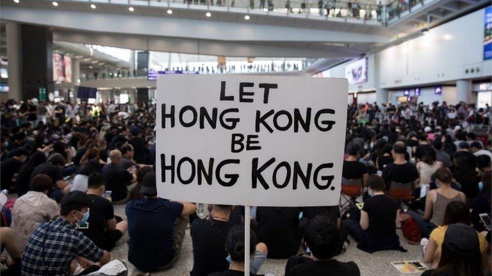 8月9日,香港機場示威人群