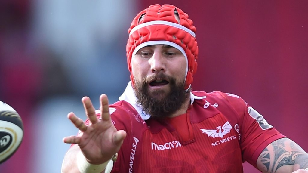 Blade Thomson: Scarlets back-rower played after death of someone 'very close'
