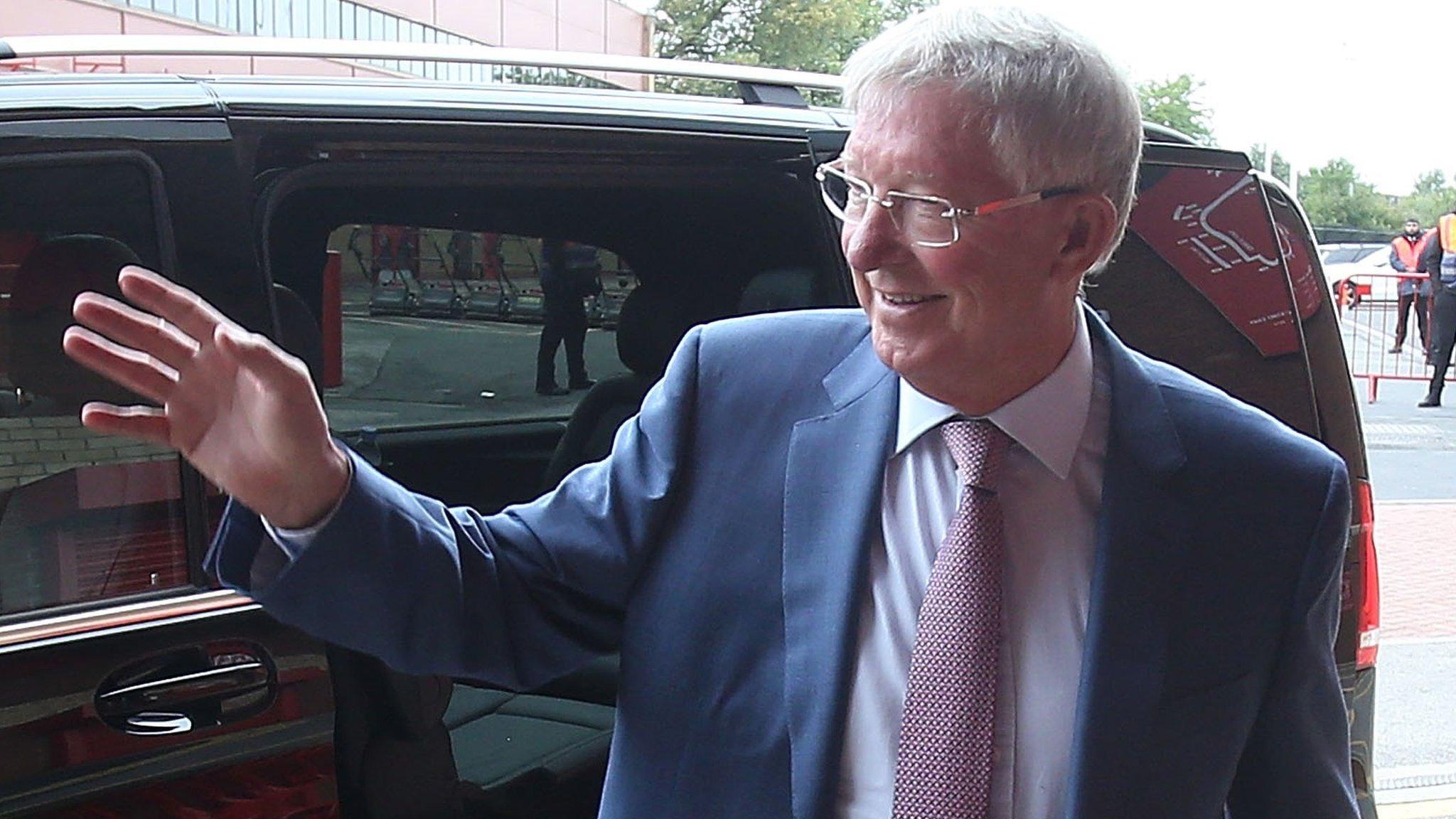 Sir Alex Ferguson: Manchester United to honour former manager on Old Trafford return