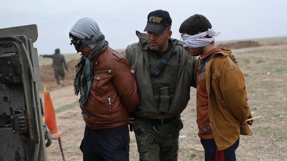 Suspected Islamic State militants captured near Sinjar