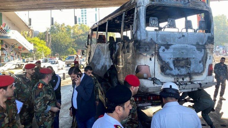 Сирия: при подрыве автобуса с военными в Дамаске погибло более 10 человек