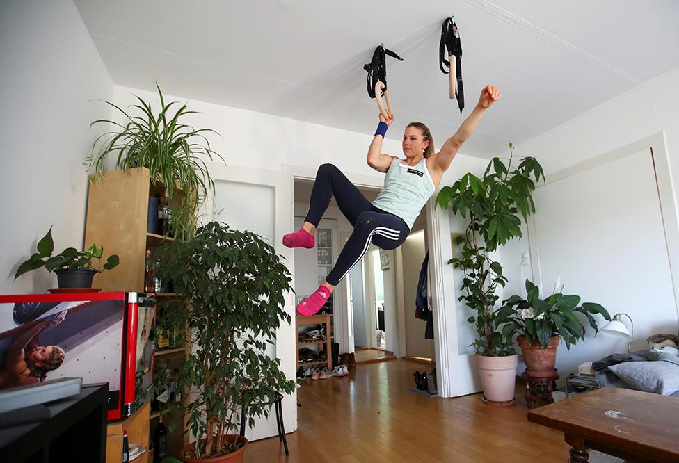المتسلقة بيترا كلينغر في بيتها