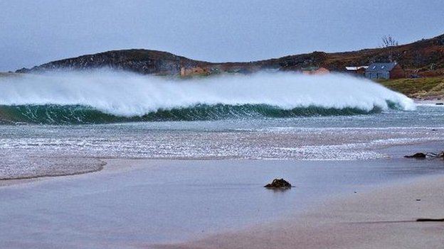 Wave at Laide, Wester Ross