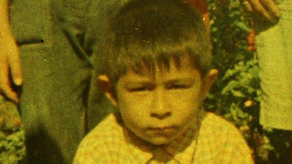 Titov Sigfrido López Aguilar de niño