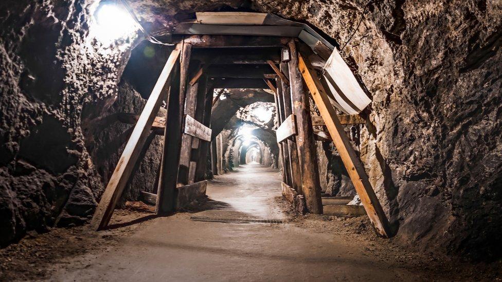 una mina