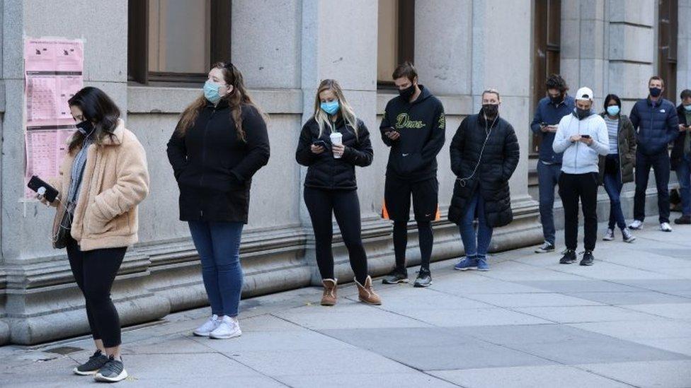 People queue in Philadelphia, Pennsylvania. Photo: 3 November 2020