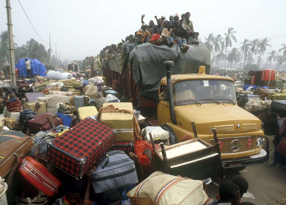 West African refugees at Benin border