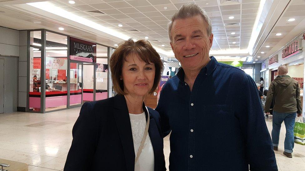 Monty y Julie McMonagle