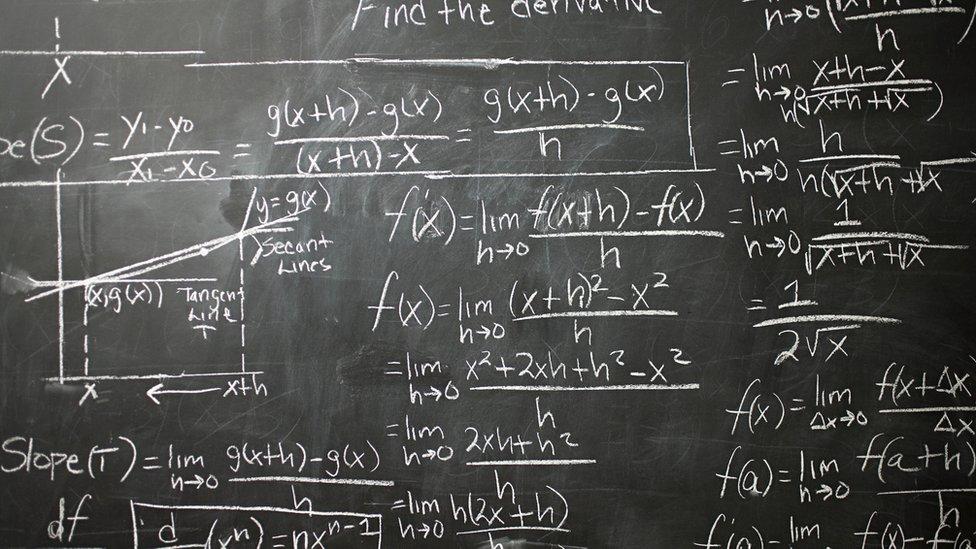 Cálculos en el pizarrón