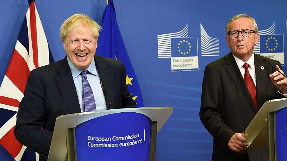 Boris Johnson y Jean Claude Juncker.
