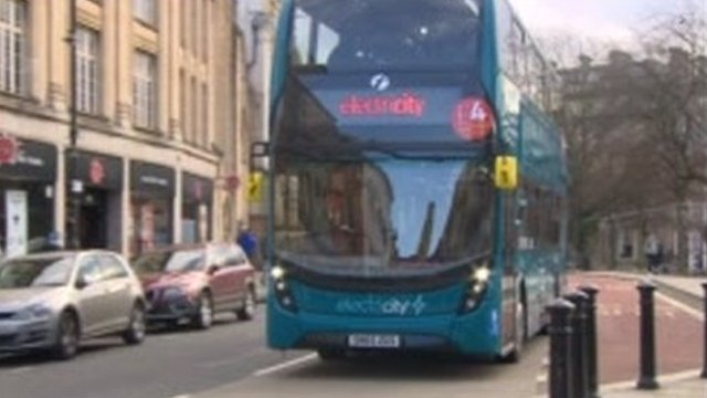 d7daaa73ab Electric trucks and vans cut pollution faster than cars - BBC News