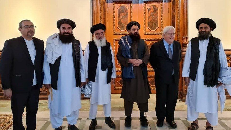 الملا عبدالغني بردار (الأول من اليمين)