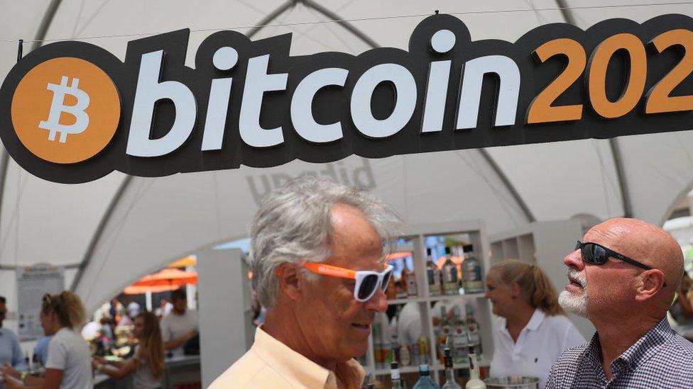 Asistente a la conferencia Bitcoin 2021.