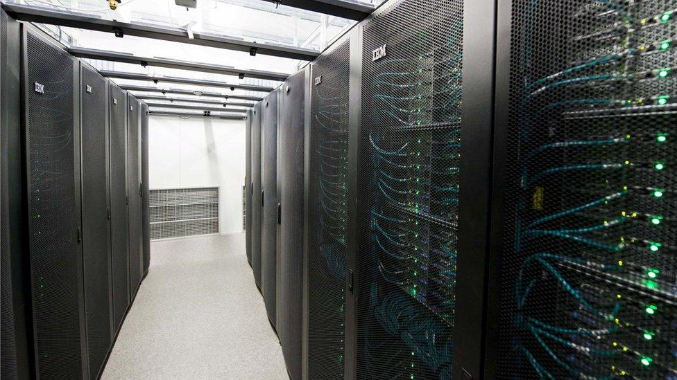 servidores de datos en Islandia