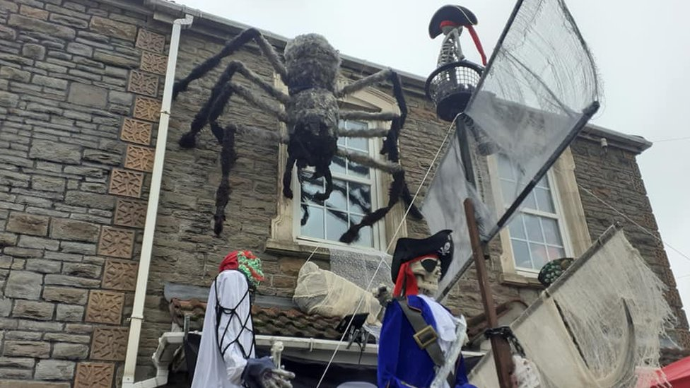 Mark Davenport's Halloween display complete with giant spider