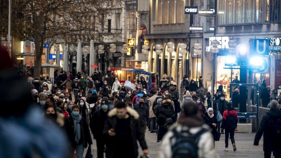 Munich's Kaufingerstrasse - 15 December