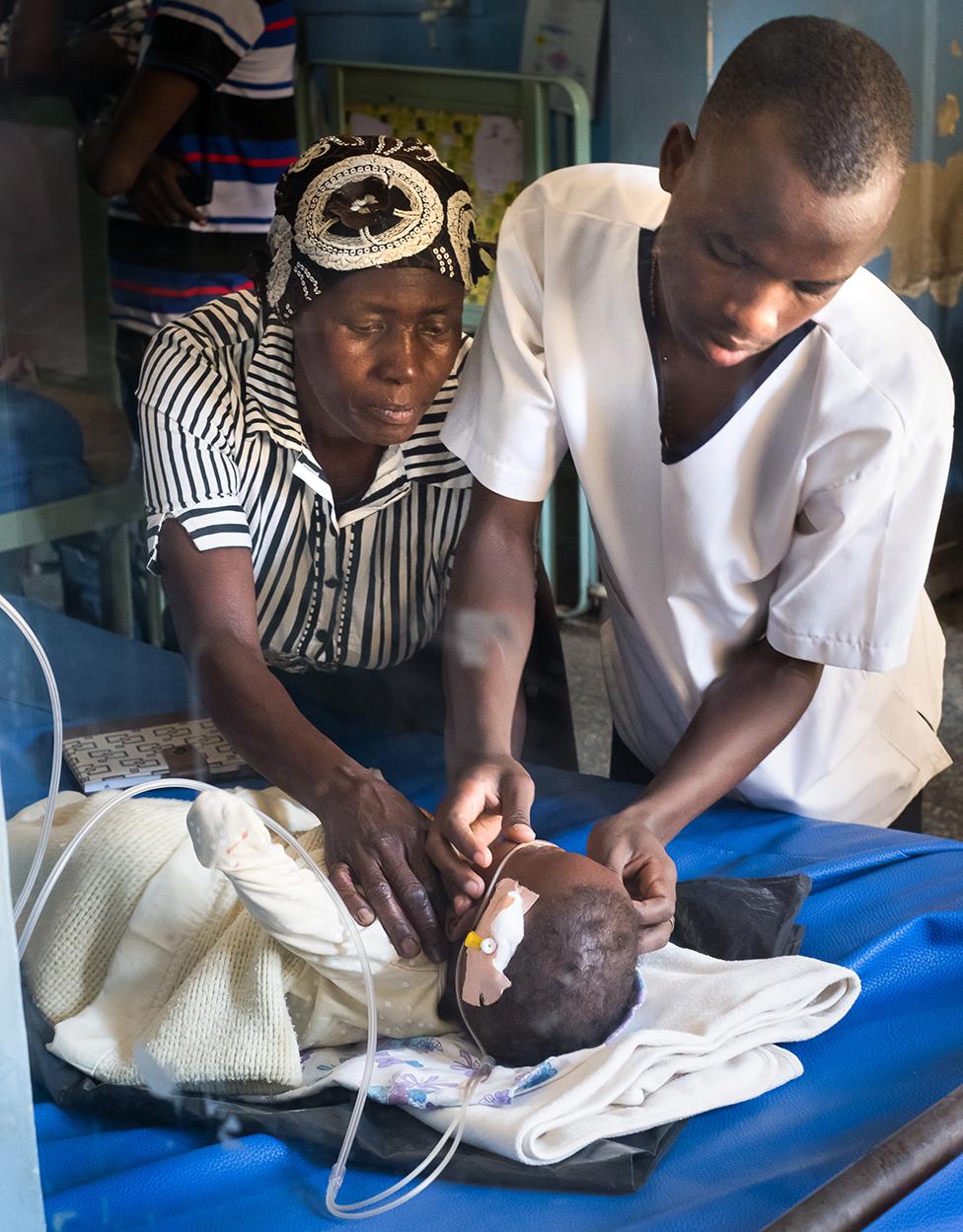Un niño es tratado con FREO2