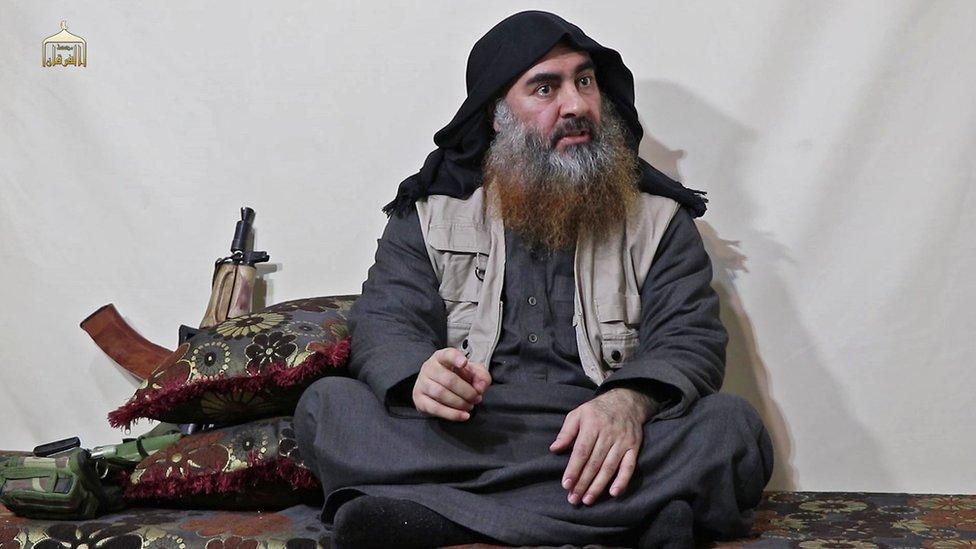 ABD hükümeti, Bağdadi'nin yakalanmasını sağlayacak nitelikte istihbarat sağlayanlara 25 milyon dolar ödül vadediyordu.