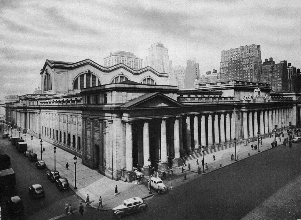 Penn Station's colonnaded exterior in its early decades