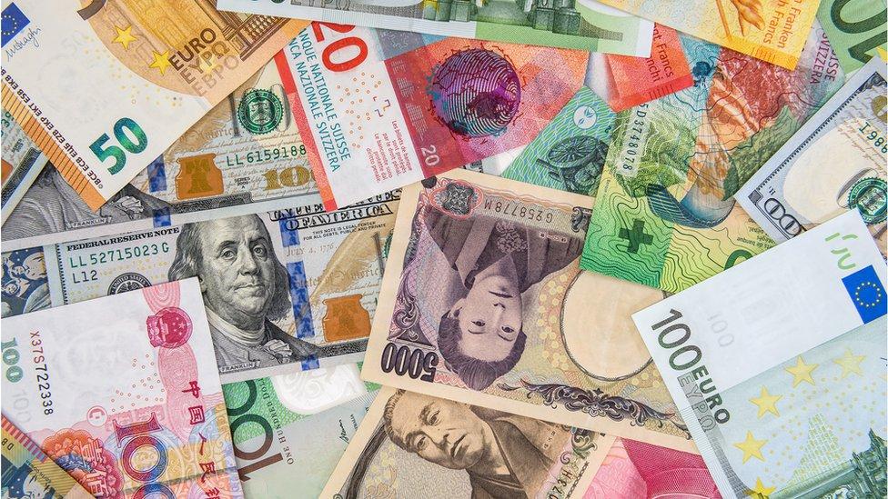 O conceito do hawala é enviar dinheiro entre dois pontos amplamente separados do planeta, evitando bancos e altas comissões