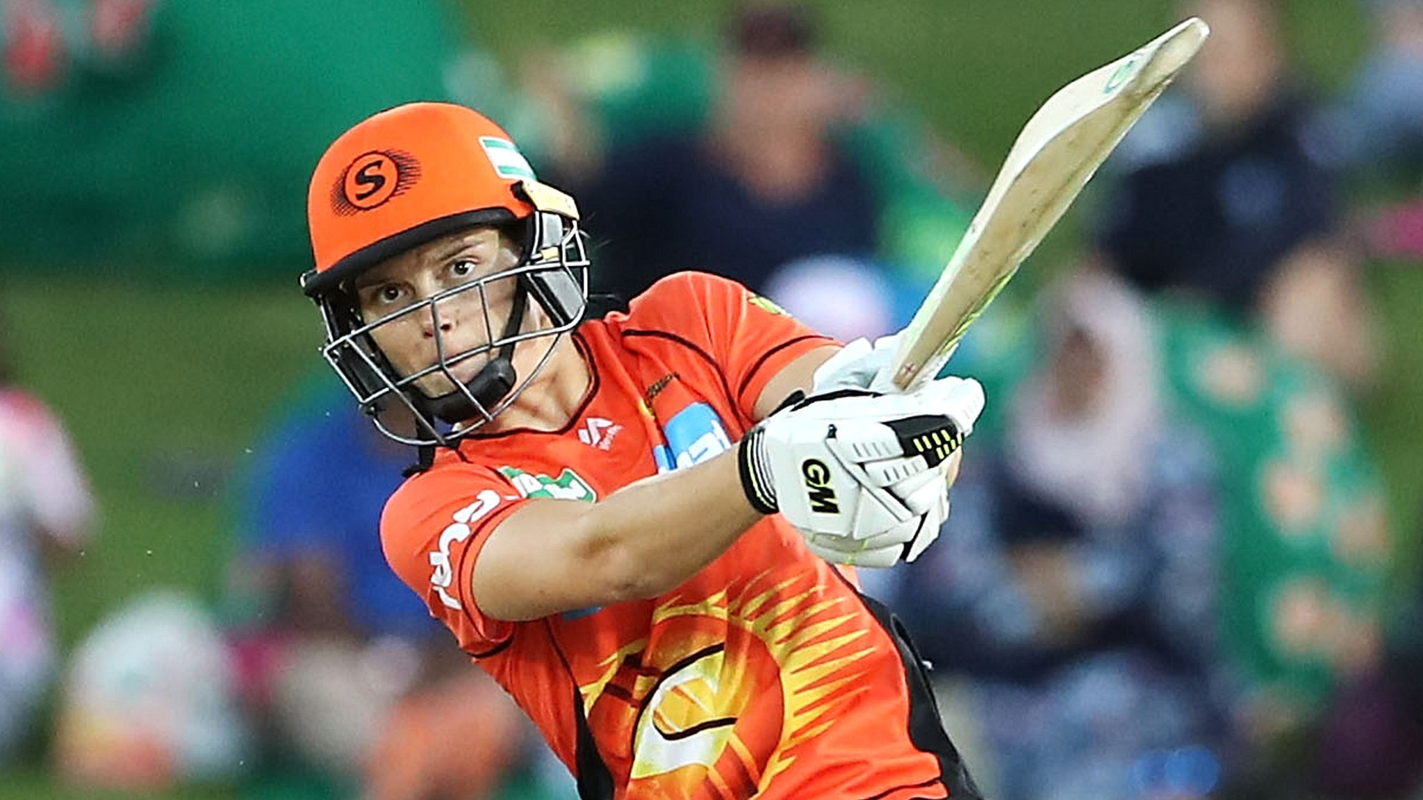 England's Jones overshadowed by Perry on Women's Big Bash debut