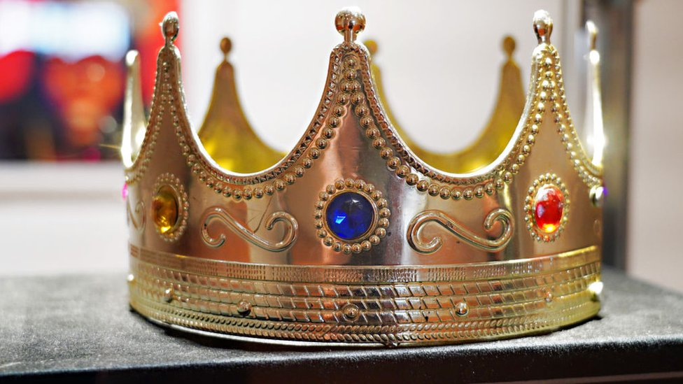Notorious B.I.G. crown