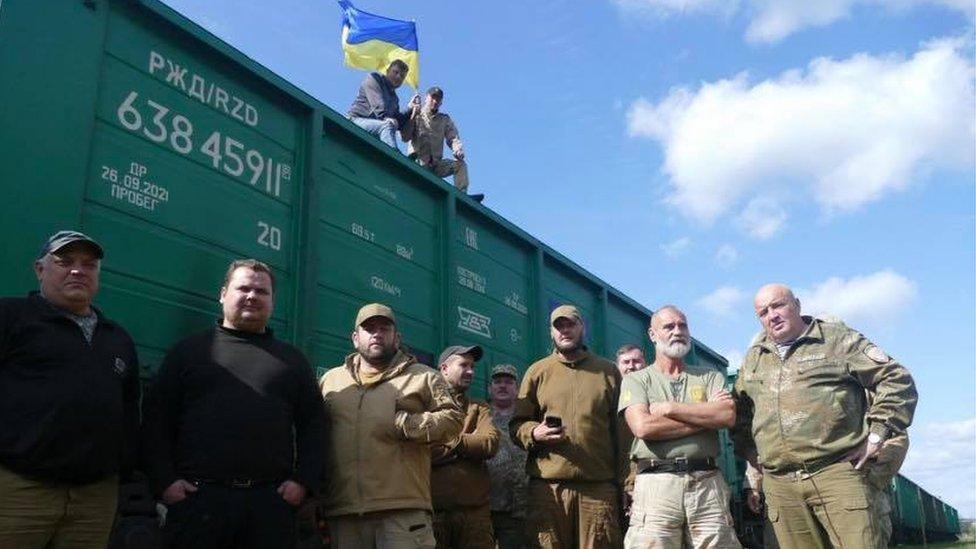 Поліція затримала Семенченка і 27 активістів, які блокували російське вугілля на Львівщині