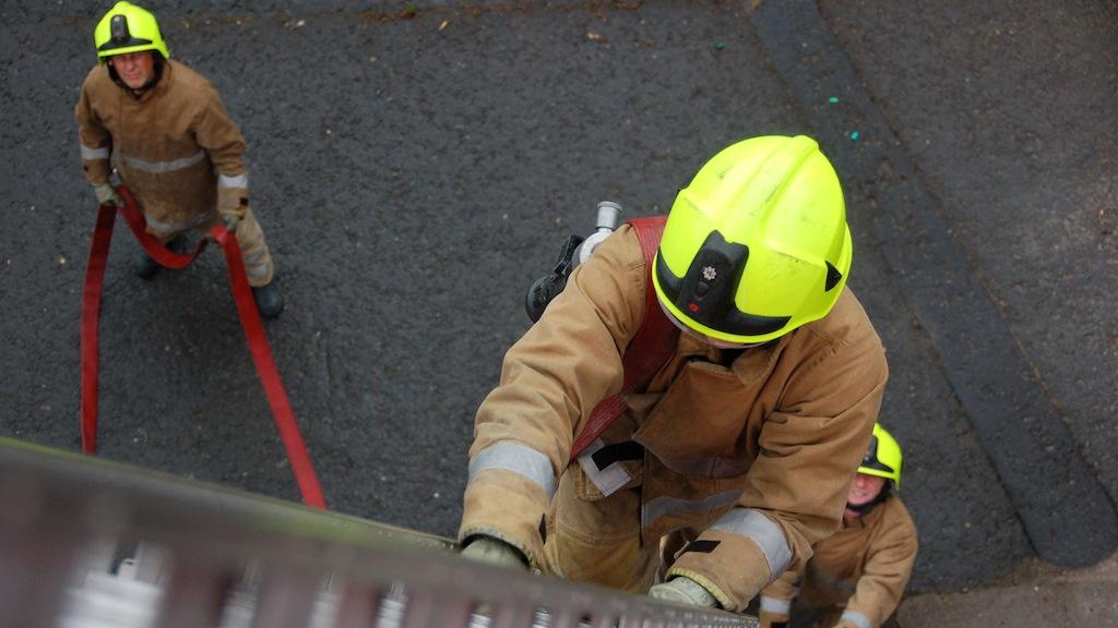 Twelve evacuated in Auchterarder overnight fire