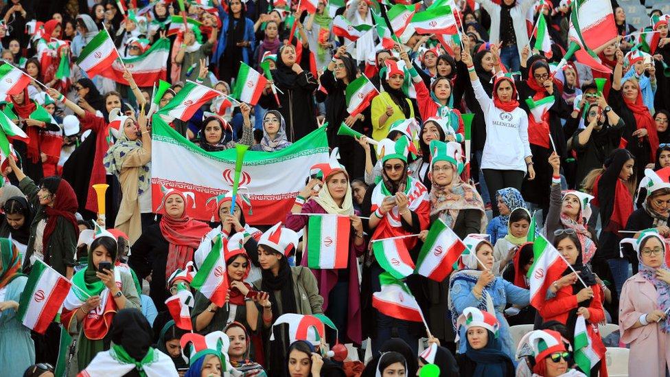 نساء إيرانيات