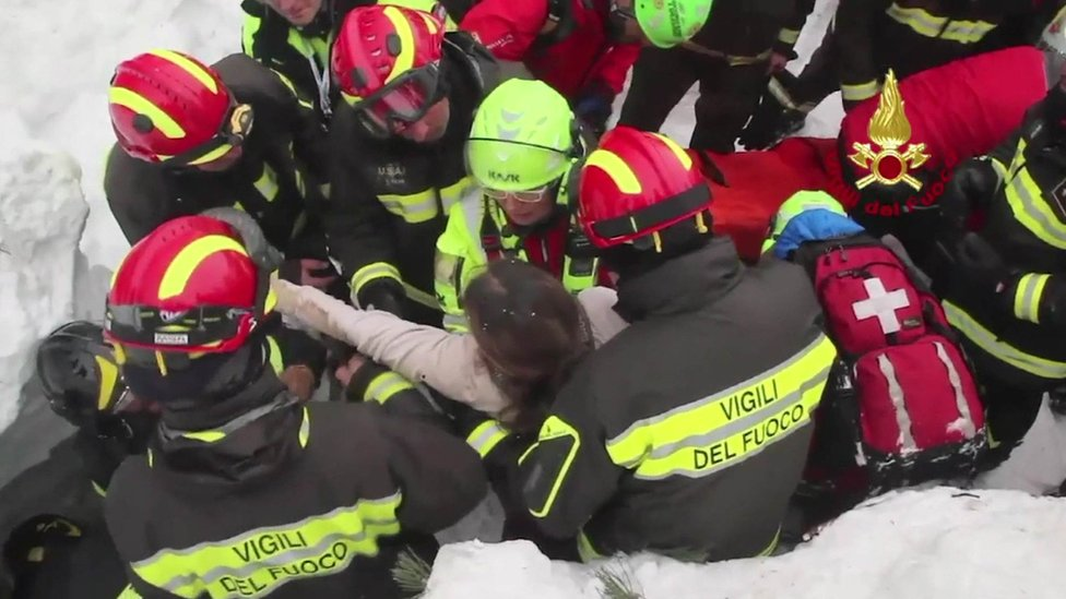 Rigopiano avalanche: Ten found alive in Italy hotel after two days