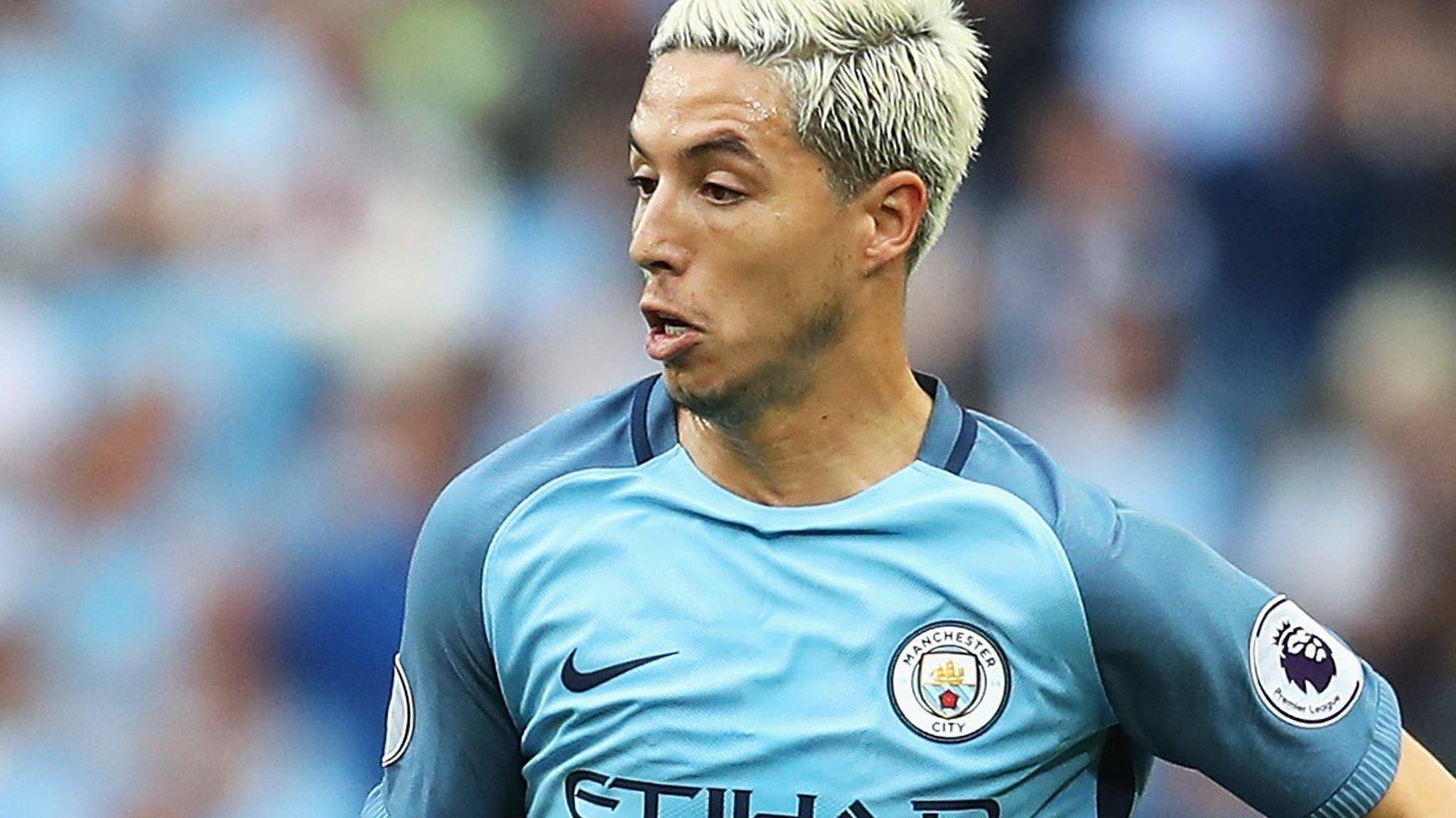 Samir Nasri: Manchester City midfielder in talks with ...