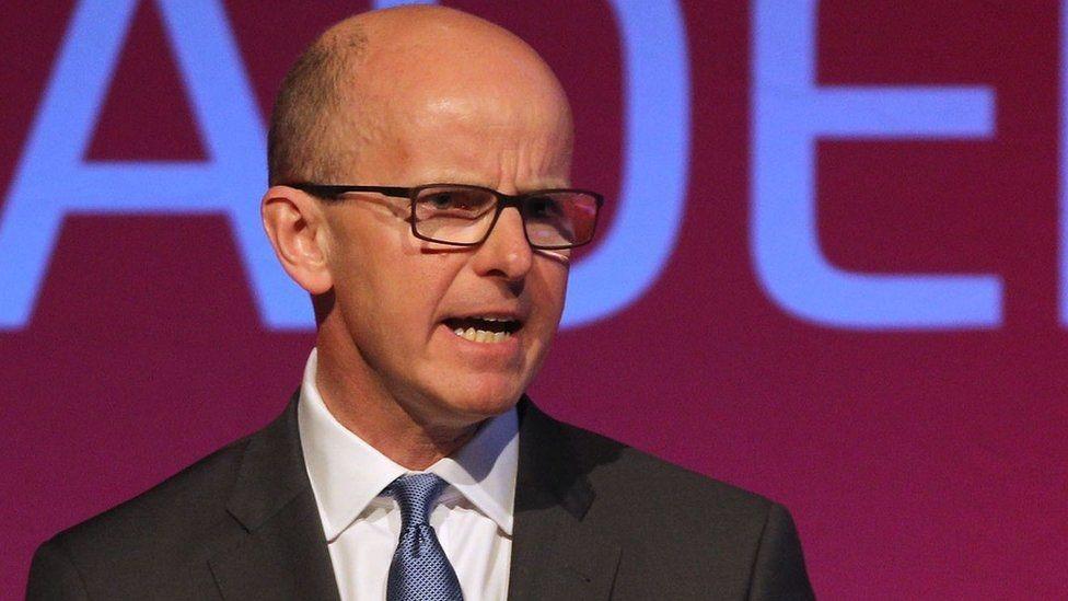جيرمي فليمينغ ألقى خطابا أمام مؤتمر إلكتروني في مانشستر