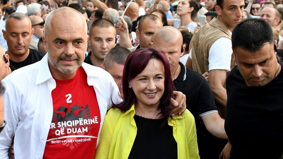 Edi Rama sa suprugom Lindom, Tirana 2017.