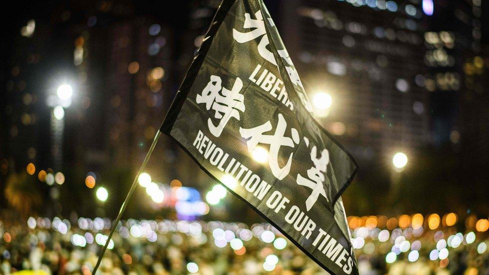 新冠疫情後,香港示威稍微緩和。