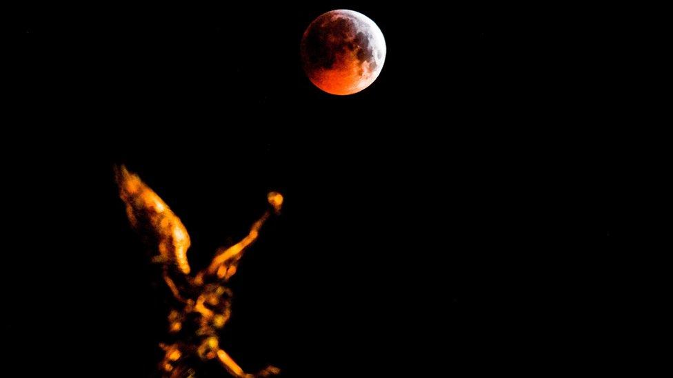 Super krvavi vučji mesec u Drezdenu