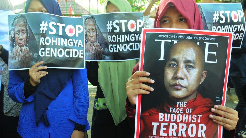 Protesta contra la violencia contra los rohingya.