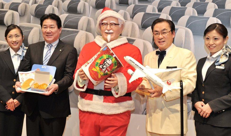 """在日本,吃KFC炸雞成了當地人過聖誕的一個""""傳統""""。"""
