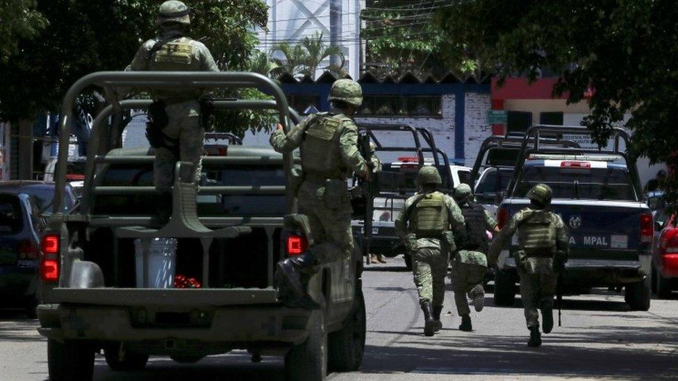 Akapulko: Meksička policija pod istragom zbog potplaćivanja