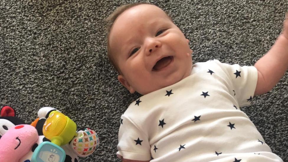 virus corona, bayi, 11 minggu