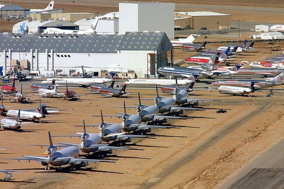 Aviones en el desierto de Mojave, California.