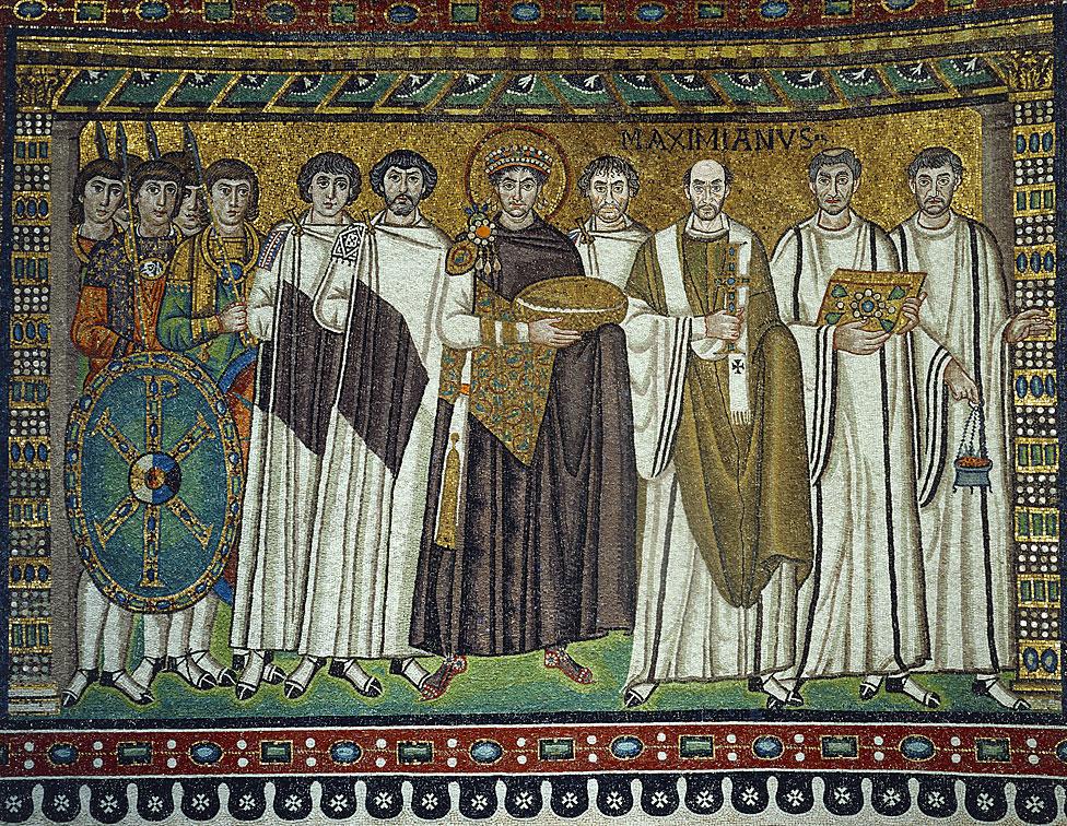 NO USAR, BBC. Un mosaico de Iglesia de San Vital de Rávena, Italia, muestra al emperador bizantino Justiniano el Grande rodeado por su séquito.
