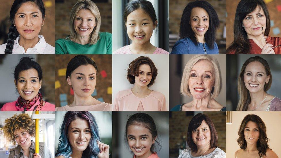 نساء في أعمار مختلفة