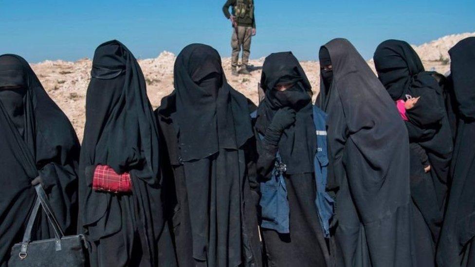Sekitar 7.000 perempuan ditangkap dan dijadikan budak oleh ISIS menurut kelompok HAM.